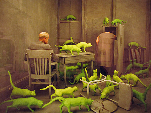 radioactive-cats-sandy-skoglund.jpg