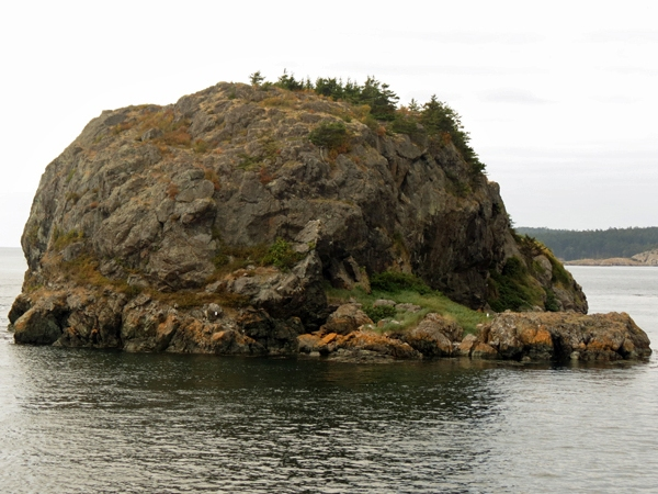 View Full-Size Image |Castle Rock Island