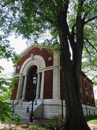 Sachs Museum Exterior